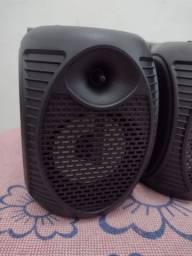 Caixa portátil FM e bluetooth.