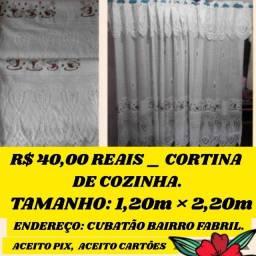 Título do anúncio: Vendo  40,00 reais cortina de cozinha de renda _ chama no Whatsapp _ última peça