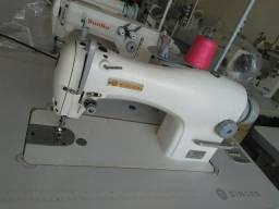 Maquina de costura reta singer novinha