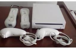 Nintendo Wii 2 Controles +40 jogos