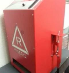 Maquina para fabricação de chinelos automatica da rimaq