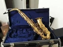 Saxofone Alto Amati Kraslice aas 32