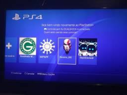 PS4 1GB 4 meses de uso