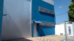 Barracão Comercial completo em instalações - Semi Novo - Local Excelente
