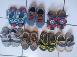 7 pares de calçados todos número 22