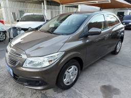 Onix 2014 LT 1.0 Completo / My link