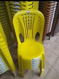 Cadeira plástica 140Kg