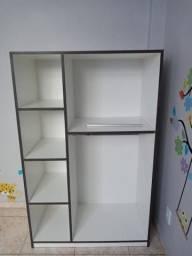 Armário infantil Montessori