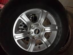 Rodas da s10 com pneu aro 16 6x139