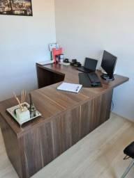 Título do anúncio: Vendo Mesa e armário de Escritório
