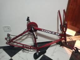 Bicicleta de 21 marcha na cor vermelha