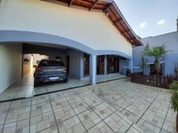 Casa para venda em Jardim São Jorge de 290.00m² com 3 Quartos, 1 Suite e 2 Garagens
