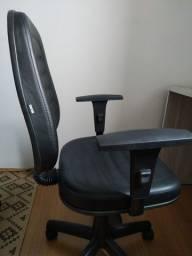 Título do anúncio: Cadeira escritório com regulagem