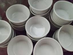 Pote de cerâmica para molhos