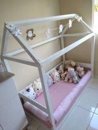 Vende - se uma cama montessoriana.