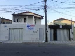 Casa duplex e 02 aptos na Maraponga