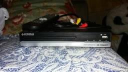 DVD Player com Função Karaokê Mondial D-18 1 USB