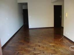 Aluga-se apartamento central condominio baixo