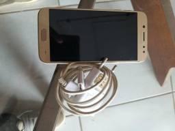 Vendo um Samsung J5 pró 400,00