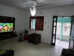 Vendo Casa Ampla na Rua Comandante Costa, com 300 m² de Área Total