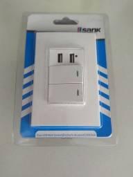 Interruptor com duplo USB e 2 plug. Novo. R$ 50,00.Whats *.. *..37799616