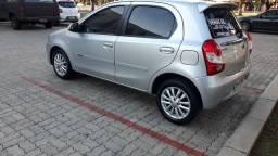 Toyota ETIOS HB 1.5 XLS COMPLETÍSSIMO PLACA A 2014
