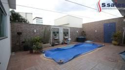 Elegante Casa em Vicente Pires com 4 Suítes