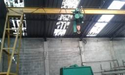 Pórtico móvel com 6 metros e talha elétrica 2T