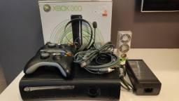Título do anúncio: Microsoft Xbox 360 Elite 120gb + Kinect + 2 Controles + Jogos