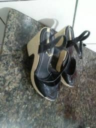 Sandalias e cortunos