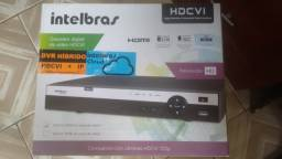 Kit DVR Intelbras 4 canais + 3 câmeras HD (720P)
