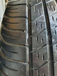 01 Pneu 175/65/15 Pirelli P4