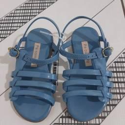 Título do anúncio: Vendo sandália infantil (NOVA)
