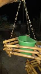 divesos artesanatos em bambú e madeira