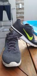 Título do anúncio: Nike air max sequent 2