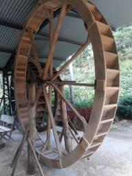 Rodas d'água em madeira