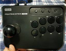 Hori Arcade Fighting Stick Mini 4 em ótimo estado