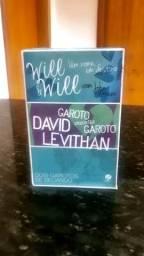Box com 3 livros do John Green e David Levithan