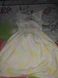 Vendo vestido menina