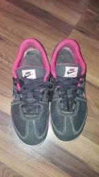 Tênis Nike tamanho 35