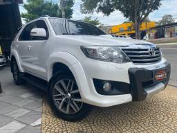 Toyota Hillux SW4 SRV 4X4 Diesel - VenanciosCar