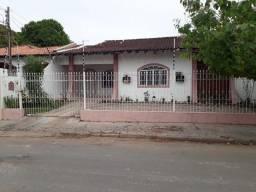 Casa Boa Esperanca em rua Comercial, 5m da UFMT