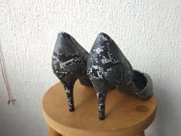 Sapato Scarpin 39 usado uma vez