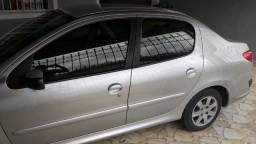 (Urgente) Peugeot Passion Sedã 1.4 Flex Completo - 2011