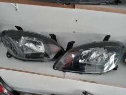 Usado, Farol GM Celta Prisma 2007 a 2015 Máscara Negra Original comprar usado  Curitiba