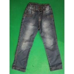 Calça jeans infantil / Veste de 3 a 4 anos / R$20,00