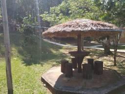 Sítio com área de 2.000m², sauna, piscina, casa com dois quartos em Mangaratiba.