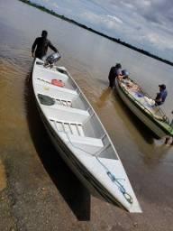 Canoa 6 metros com motor Yamaha 15 e carretinha.