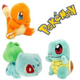 Pokemons diversos em pelúcia