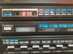 Som Sanyo GXT 255 com toca discos 3x1